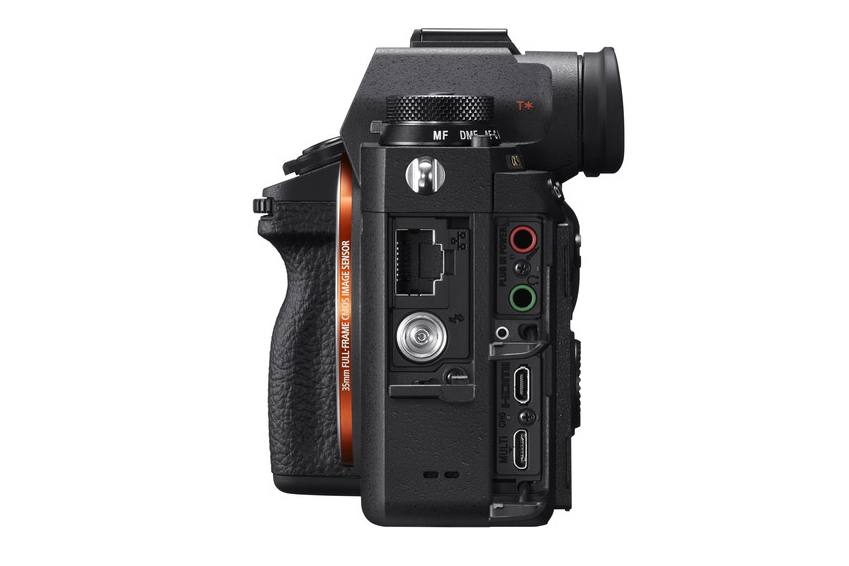 Sony A9 Side View.jpg