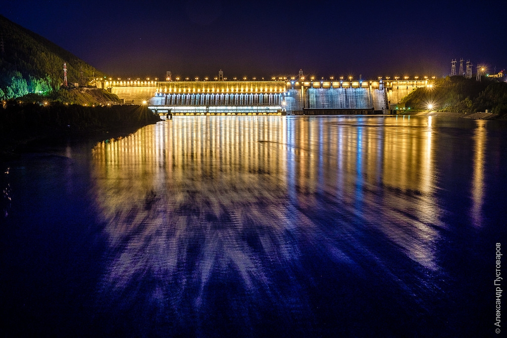 Night illumination of Krasnoyarsk HPP