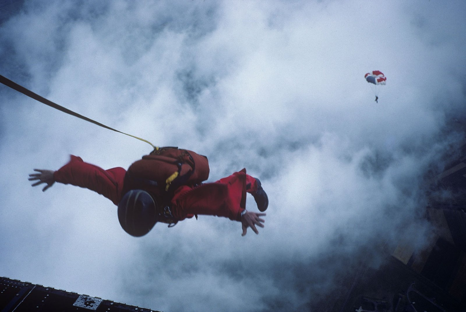 Skydiving1111_1700.jpg