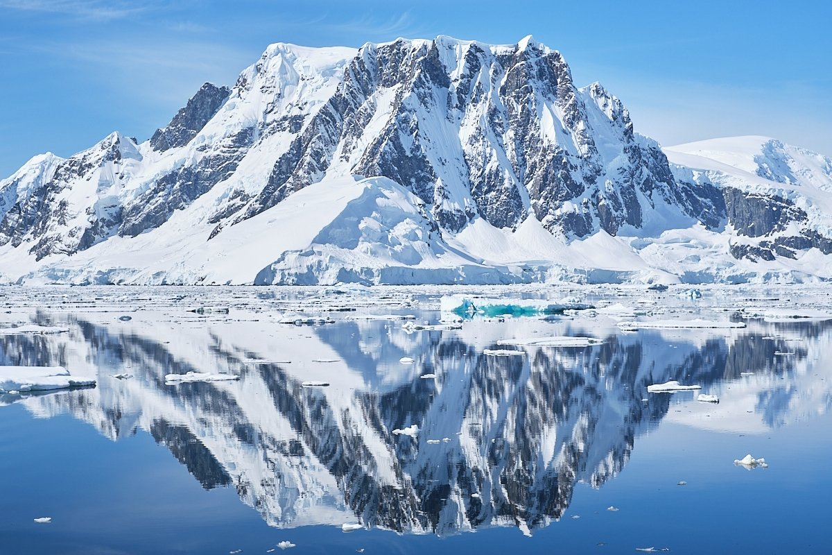 20190122_Antarctica_2782_C1.jpg