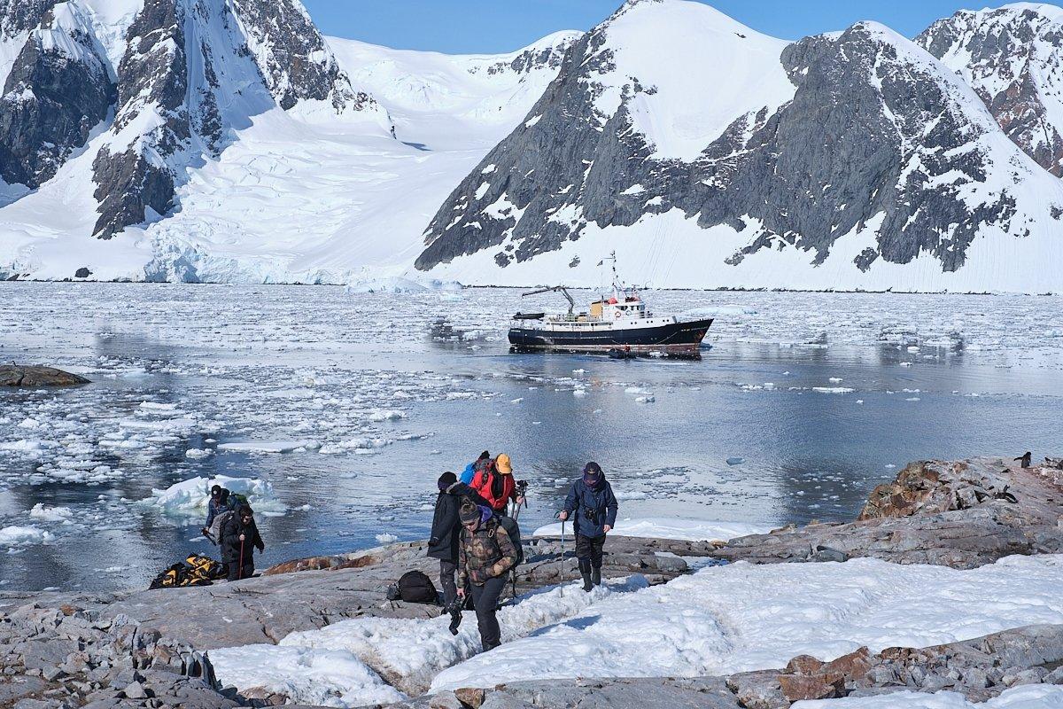 20190122_Antarctica_2831_C1.jpg